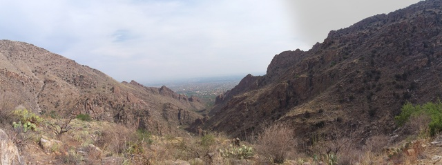 A panorama picture of the Tucson valley (credits go to Marc-Andre).